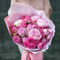 Букет пионы и пионовидная роза с оформлением R861